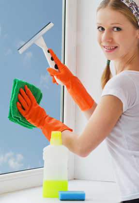 Master Washing your Replacement Windows in Houston